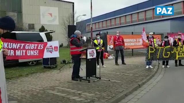 Die Gewerkschaftsjugend im Streik auf dem PTG-Gelände