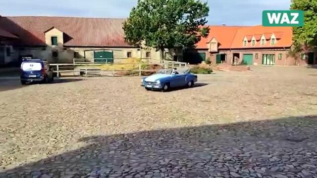 Sebastian Großmann aus Reislingen fährt ein Wartburg Cabrio