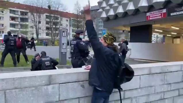 dd1704_Attacke_Journalist_Reitbahnstrasse