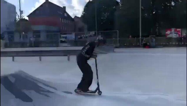 Scooter-Tricks vom Deutschen Meister