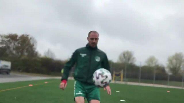 VfB-Profis zeigen, wie Teqball funktioniert