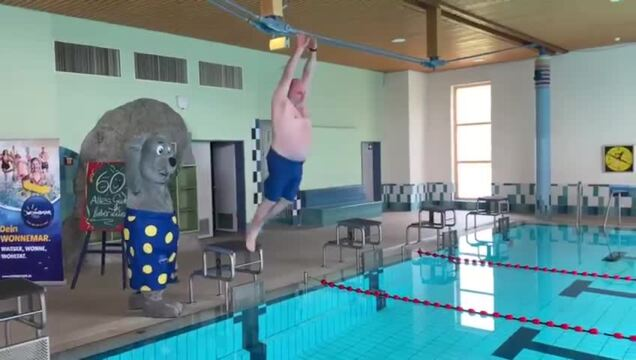 Wismars bekanntester Bademeister Frank Lüneburg wird 60