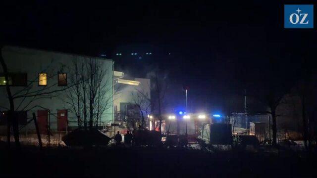 Brand in der Hadrian GmbH & Co. Metall- und Kunststofftechnik KG im Wolgaster Gewerbegebiet - Video Tilo Wallrodt (1.02.2021)