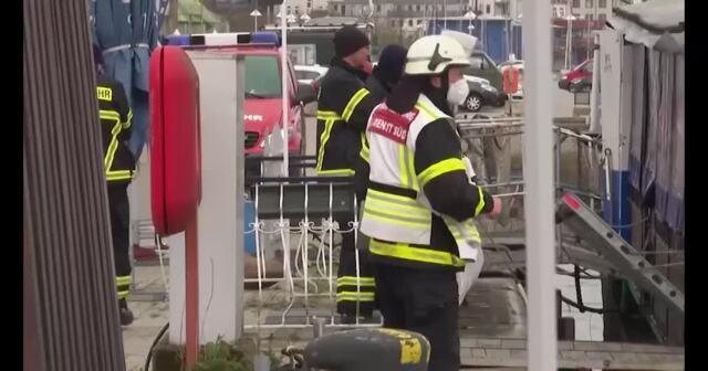 Fischkutter im Rostocker Stadthafen gesunken (Video: Stefan Tretropp | 06.05.2021