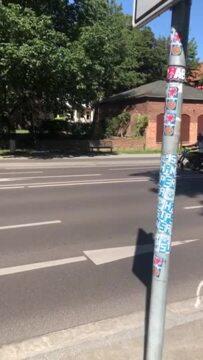 Biker trauern an Unfallstelle für Leon