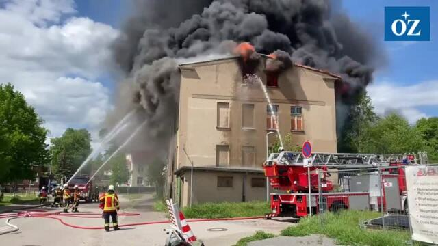 Großbrand leerstehendes Gebäude in der Wolgaster Luisenstraße - Video Tilo Wallrodt,24.05.2021