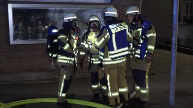 Mehrfamilienhaus wegen Feuer im Keller evakuiert