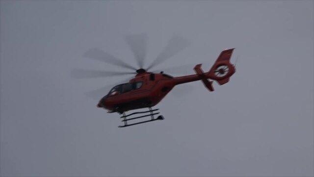 Gleitschirmflieger abgestürzt? Großeinsatz an Scharbeutzer Küste