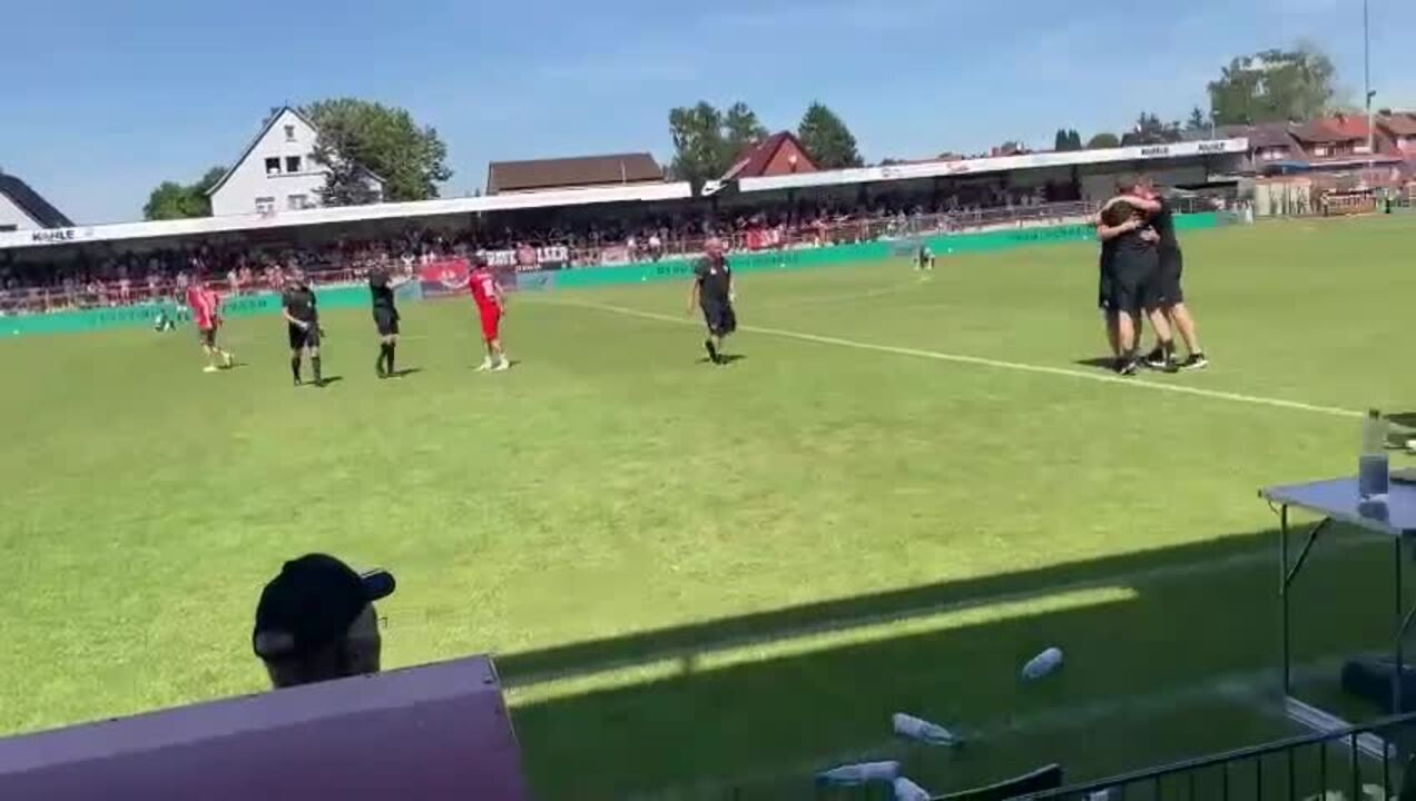 Abpfiff im Wilhelm-Langrehr-Stadion: Der TSV Havelse ist in die 3. Liga aufgestiegen