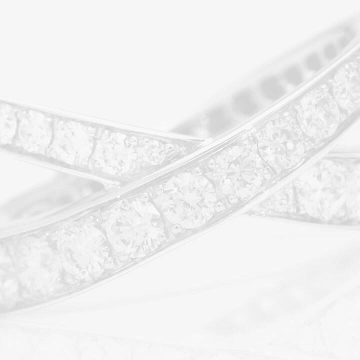 Kiss Pavé Diamond Ring