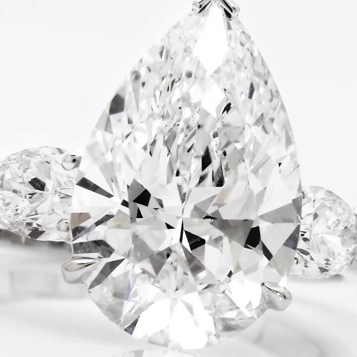 梨形钻石高级珠宝戒指
