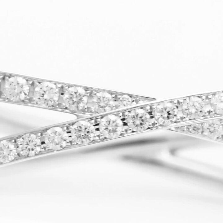 Bracelet rigide en pavés de diamants Kiss