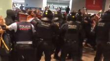 'Tsunami Democrático' llama a los activistas a bloquear El Prat como protesta a las sentencias del procés