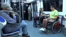 La odisea que sufren las personas con movilidad reducida en el metro de Barcelona