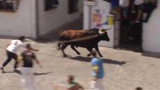 La Delegación de Fiestas del Ayuntamiento de Grazalema celebra el 'Lunes del Toro de Cuerda'