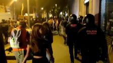 Un detenido en una protesta por el desalojo de 'Ka La Kastanya' en Barcelona