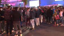 Nueva protesta ante la Asamblea de Madrid contra Díaz Ayuso