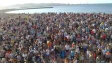 Gijón bate el récord de escanciado simultáneo con 9.721 'culines'
