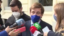 """Almeida dice que le preocupa más el papel de Bildu y ERC que la """"nula"""" influencia de exmilitares"""