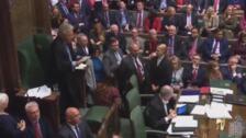 El Parlamento británico rechaza el calendario de Johnson