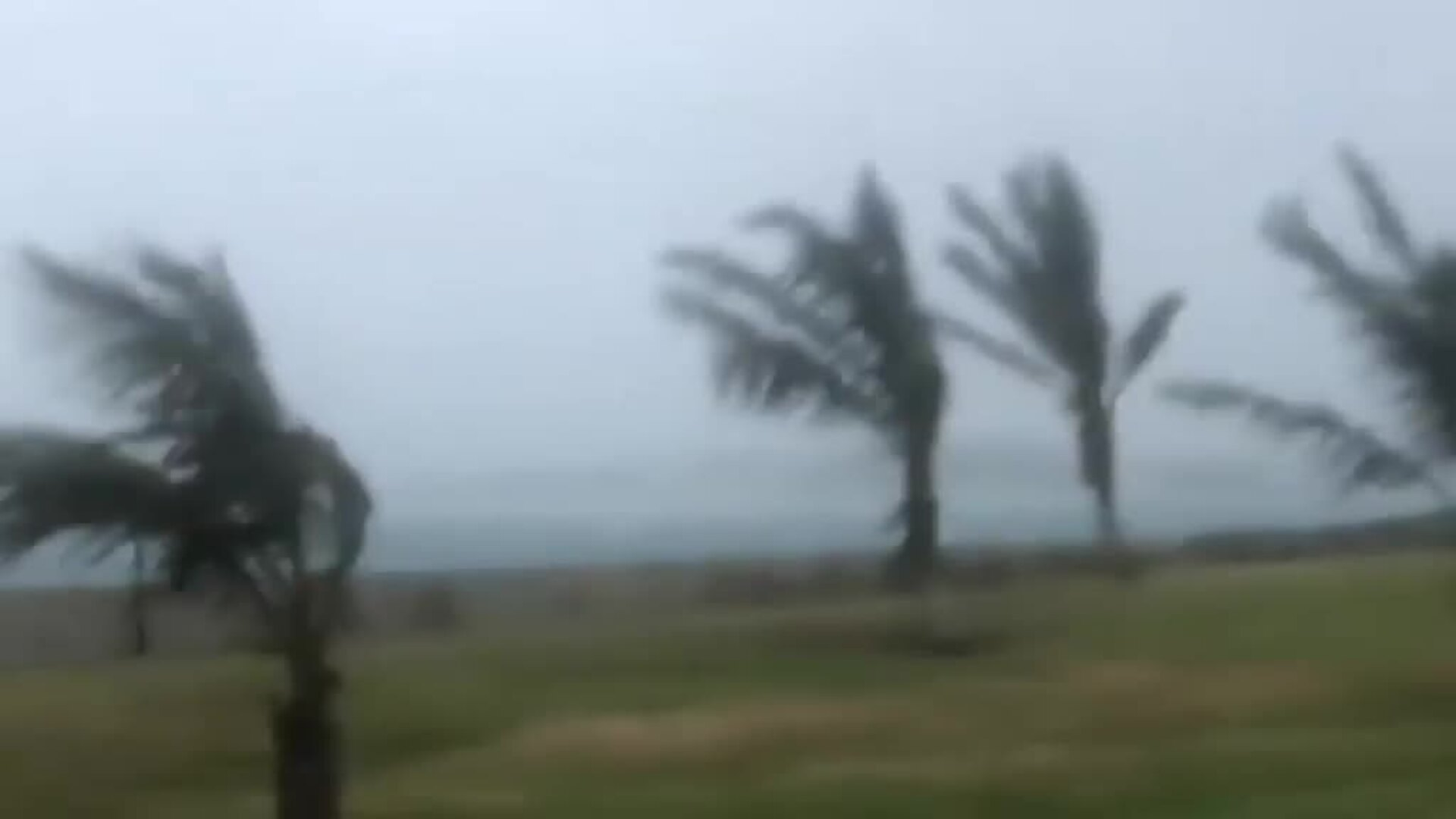 El huracán Humberto deja más de 15.000 hogares sin electricidad