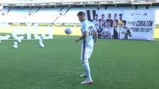 El Celta de Vigo presenta a Santi Mina, su nuevo fichaje
