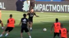 Más de 10.000 personas disfrutan del entrenamiento del Real Madrid