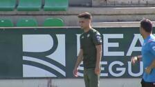Álex Moreno entrena con el Betis nada más fichar