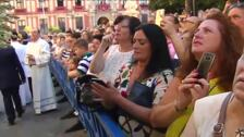 Miles de fieles asisten a la procesión de la Virgen de los Reyes