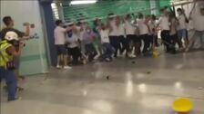 Una decena de heridos en ataques en el metro de Hong Kong