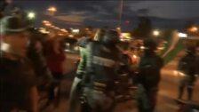 Detractores del gobierno boliviano atacan varias sedes del partido de Morales