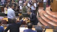 Susana Díaz niega el saludo al consejero de Hacienda tras la aprobación de los presupuestos andaluces