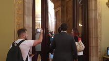 Torra acude al Parlament para someterse a una moción de censura