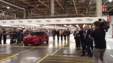 El Rey Felipe VI llega a la fábrica de Opel