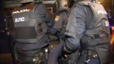 Un antidisturbios herido en los incidentes del asedio a la Jefatura de Policía en Via Laietana