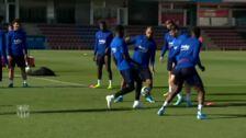 El FC Barcelona acude a entrenar hoy