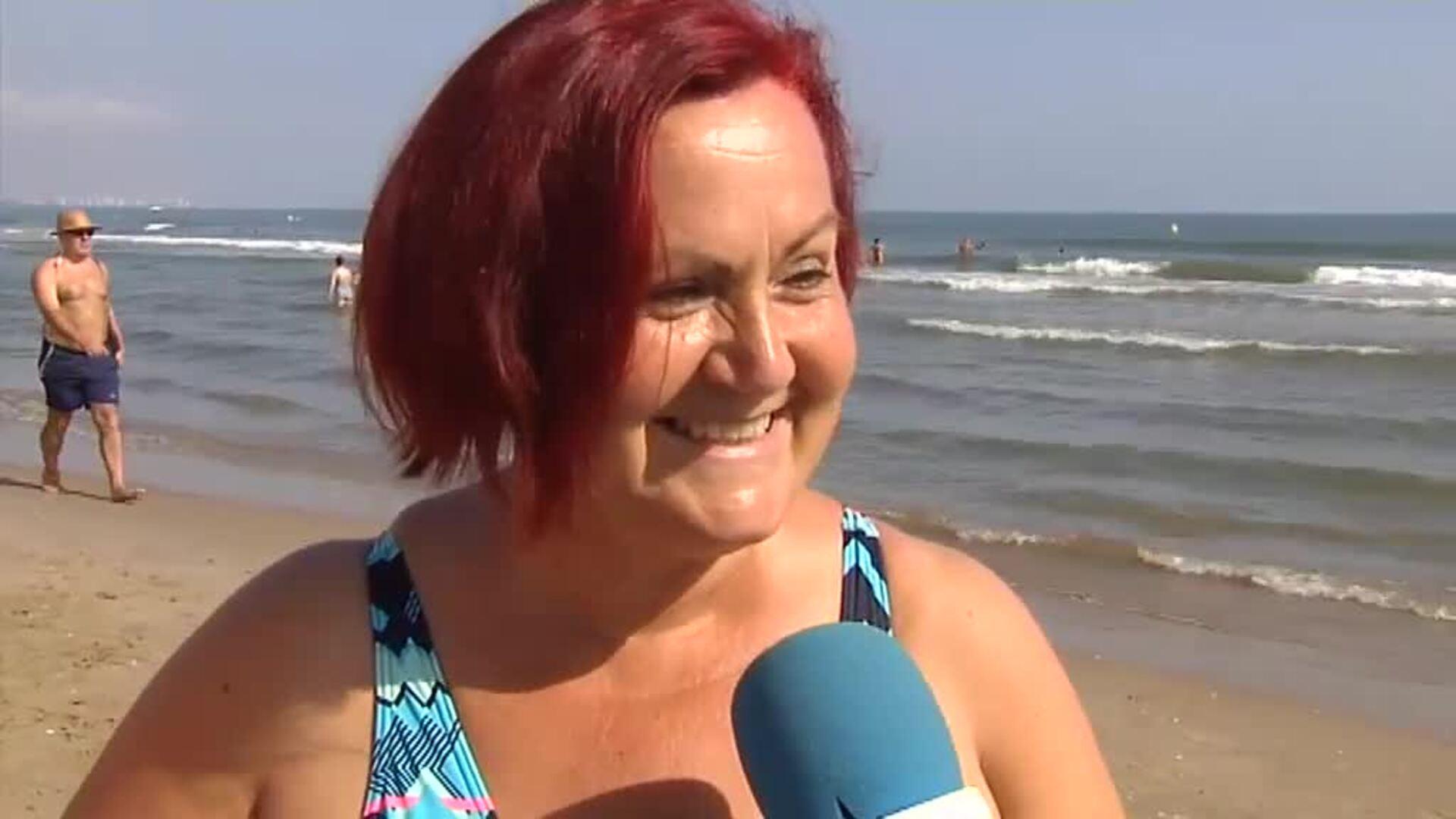 Mediados de octubre y la gente sigue en la playa