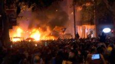 Se recrudece la violencia en Barcelona en la quinta noche de disturbios