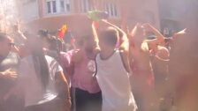 Miles de personas celebran la tradicional Fiesta del Agua en Vilagarcía de Arousa