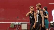 Gareth Bale se entrena junto a sus compañeros en el FedExField de Landover