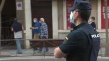 Cacerolada en la sede del PSOE