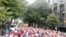 Pensionistas se manifiestan en fiestas de Bilbao para rechazar la vuelta al 0,25