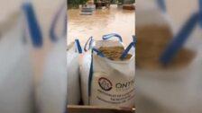 Los desalojados en Ontinyent recogen los pocos enseres que les quedan