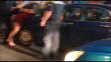Un vehículo causa el pánico en Santurtzi tras invadir parte de una acera