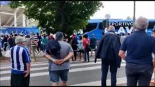 El autobús del Alavés llega a Mendizorroza