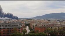 Espectacular incendio en un parque de caravanas del polígono Guadalhorce