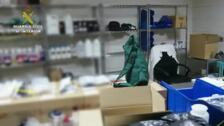 """La Guardia Civil destapa la actividad ilegal de una empresa dedicada a fabricar y comercializar ilegalmente productos para el """"vapeo"""" y cigarrillos electrónicos"""