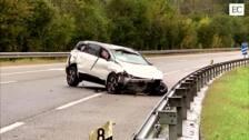 Un accidente de coche en la A-8 deja dos heridos