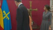 Así fue la visita de la Familia Real al interior de la Catedral de Oviedo