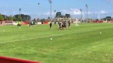 Damián Pérez se lesiona en el entrenamiento del Sporting